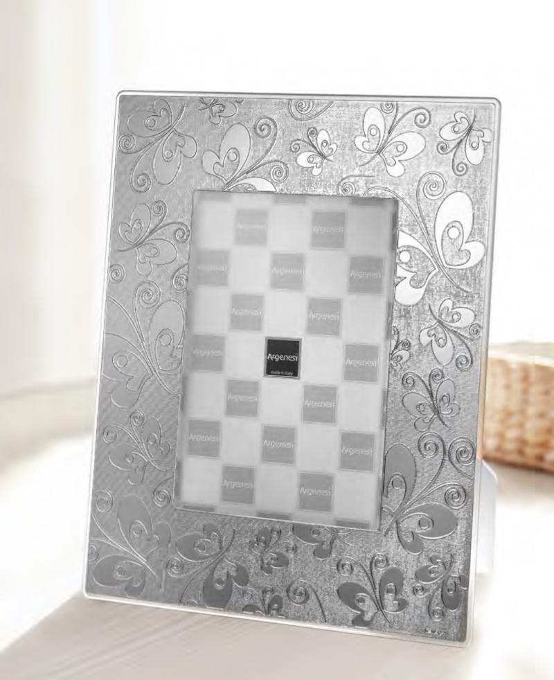 Cornici portafoto in argento argenesi portafoto for Oggettistica moderna